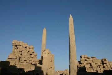 Karnak, obelisci Tutmozisa III. i Hatšepsut