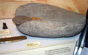 Kamen iz Jerihona koji je služio za mljevenje kukuruzaKamen iz Jerihona koji je služio za mljevenje kukuruza